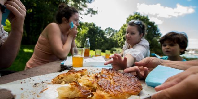 Goûter en famille au Plomarc'h