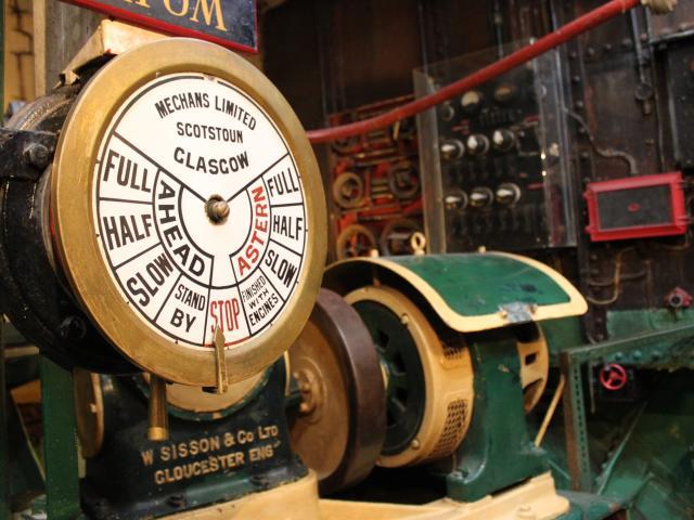 Visiter l'intérieur d'un bateau - Port-musée