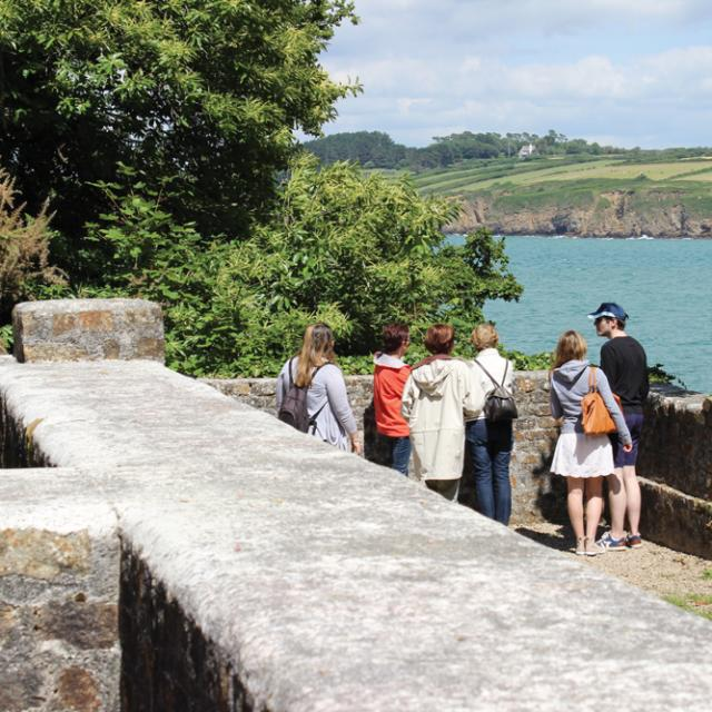 Le Site Archéologique Des Plomarc'h Sur Le Site Naturel En Visite Guidée