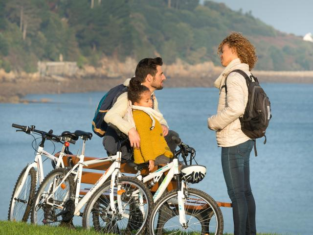 Promenade à vélo en famille
