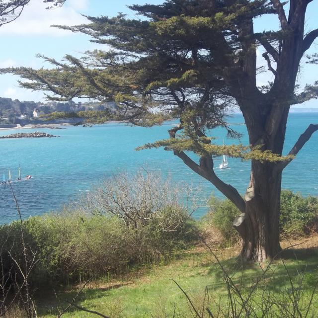 Vue sur les Sables Blancs depuis l'île Tristan