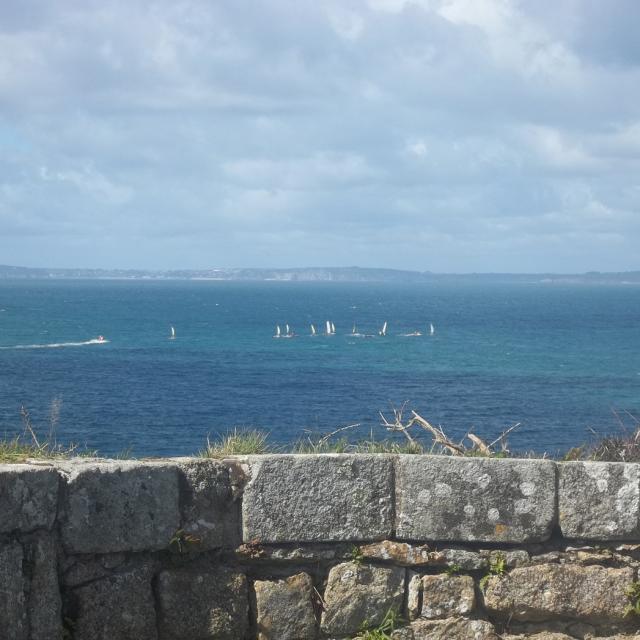 Vue sur la Baie de Douarnenez depuis l'île Tristan