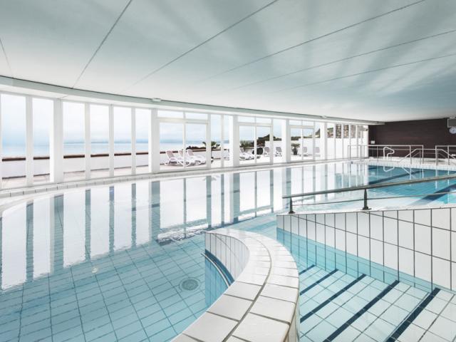 Thalasso à Douarnenez Tréboul Plage des Sables Blancs - piscine