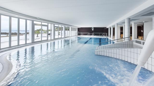 La piscine de la thalasso Valdys à Douarnenez
