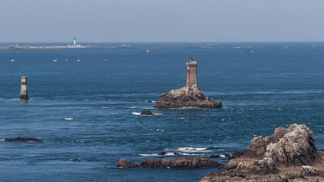 La Pointe du Raz, le phare de la Vieille et l'île de Sein