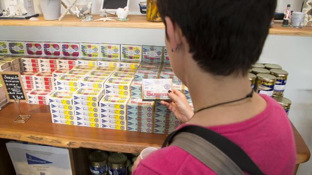Les boîtes de sardines de la conserverie Kerbriant