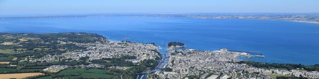 Vue aérienne sur la baie de Douarnenez