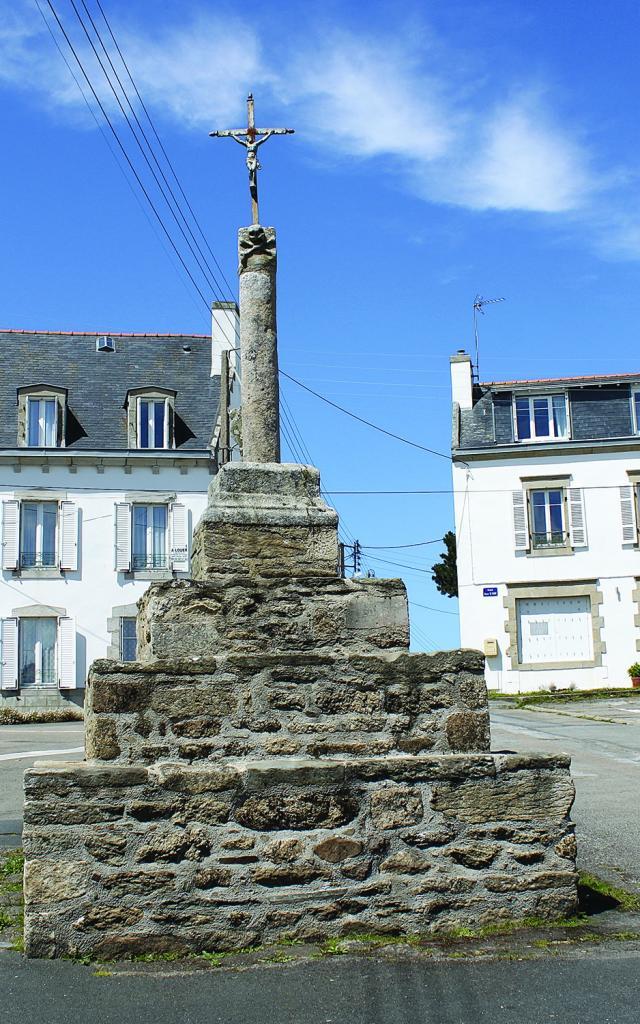 Calvaire à degré de la chapelle Saint-Jean à Tréboul