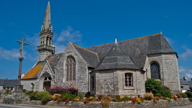 Eglise Saint-Cadoan à Poullan-sur-Mer