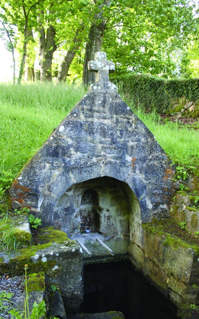 Fontaine de la chapelle Saint-Vendal à Pouldavid