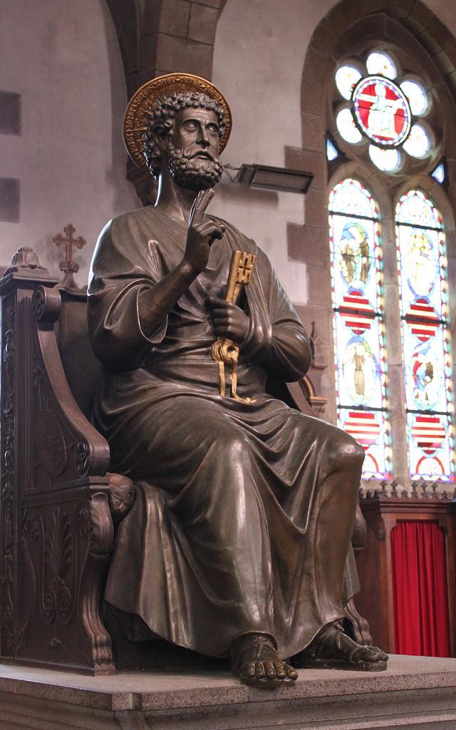 Sacré Coeur Statue