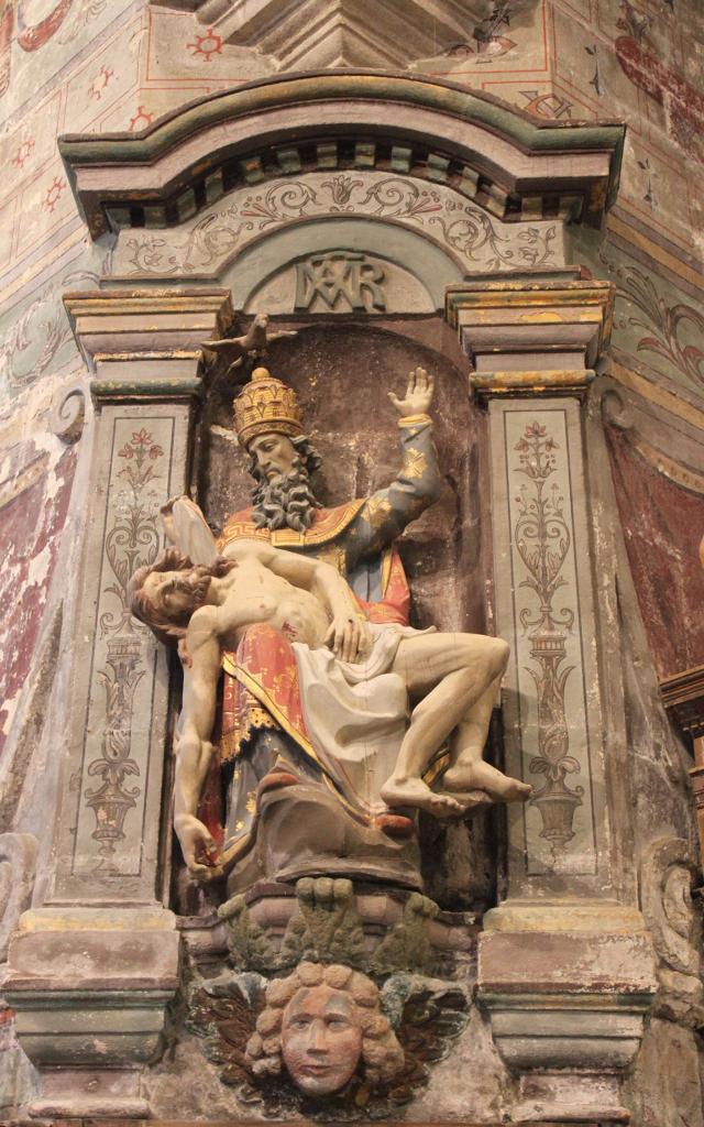 Statue de Jésus dans les bras de Dieu, Eglise Saint-Herlé