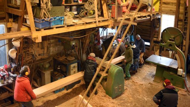 16 Rabotage De La Quille Dans L'atelier Du Skellig